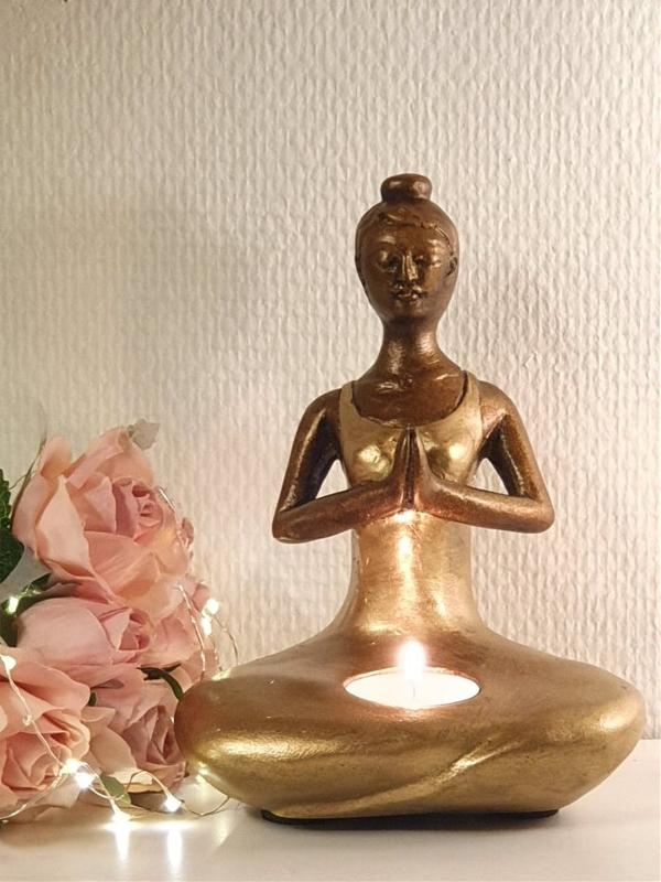 Ljushållare Yogakvinna Guld