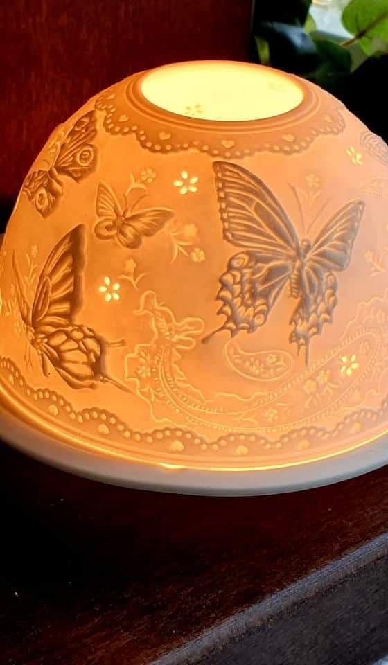 Ljuslykta Fjärilar I Porslin