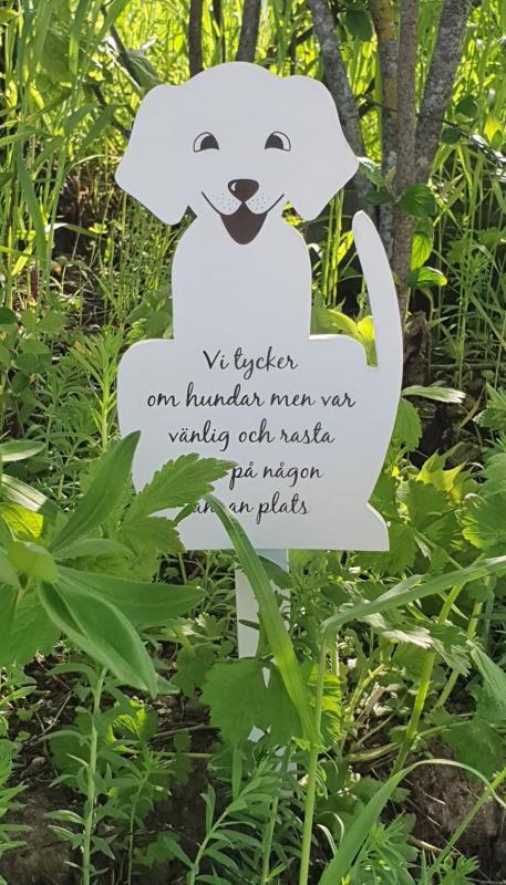Skylt I Trä - Hund 45 cm