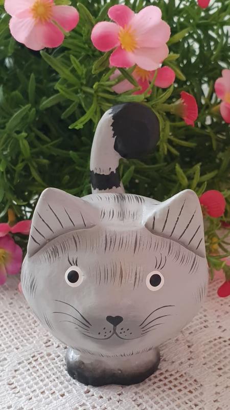 Stående Katt I Trä - Grå