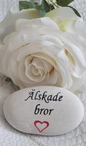 Sten Med Graverade Text - Älskade Bror