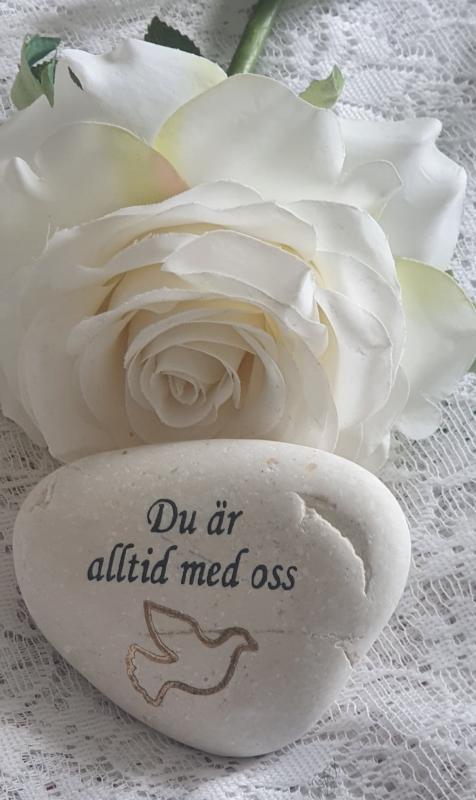 Sten Med Graverade Text - Du är Alltid Med Oss