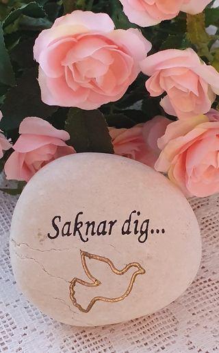 Sten Med Graverade Text - Saknar Dig