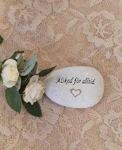 Sten Med Graverade Text - Älskad För Alltid