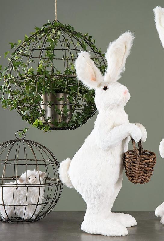 Hare Med Korg Vit - 71 Cm