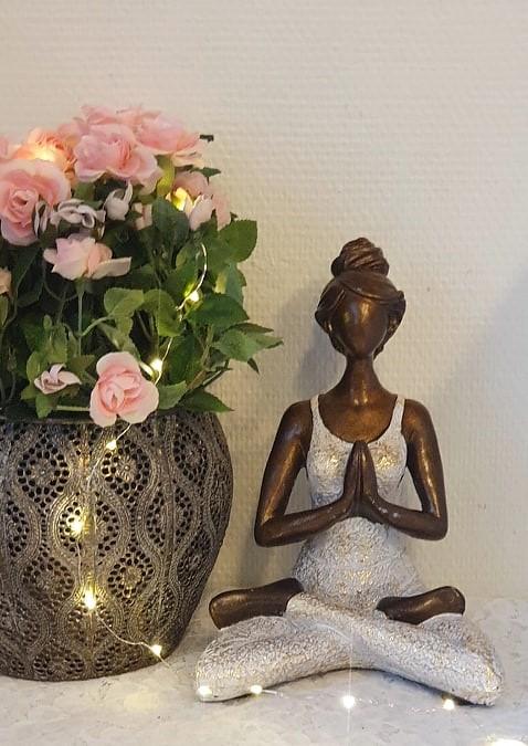 Yoga kvinna - Vit/Guld