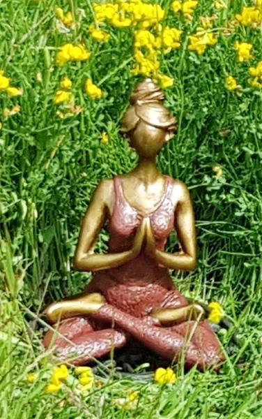 Yoga kvinna - Mörkröd
