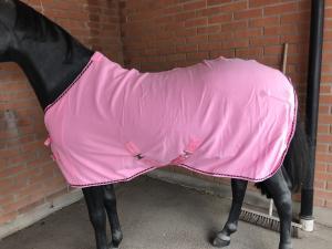Fleecetäcke med gjordar ROSA