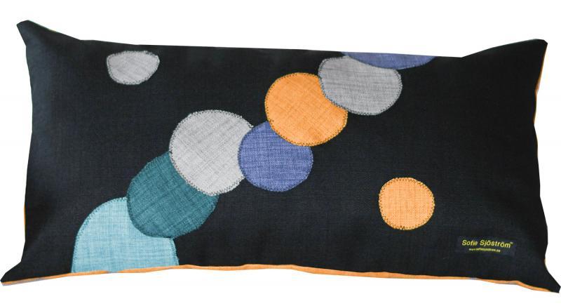 Dots stoppad kudde Multi color 65x35 cm