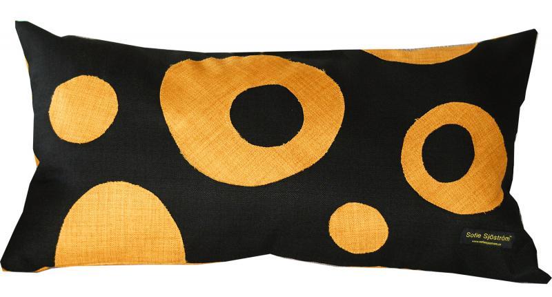 Dots stoppad kudde gul/svart 65x35 cm