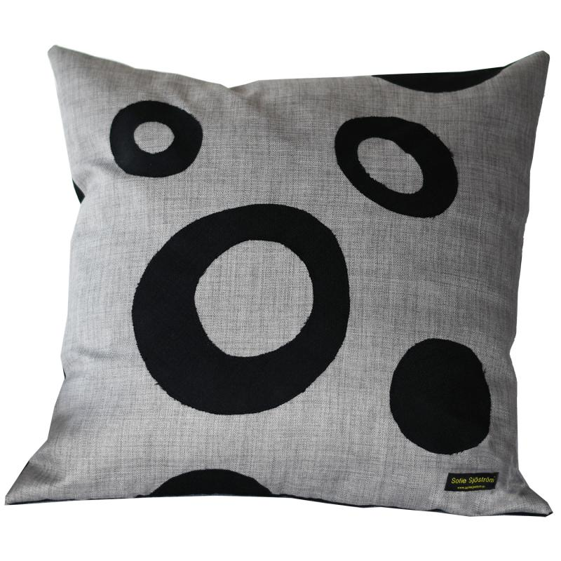 Dots padded pillow grey/black 60x60 cm