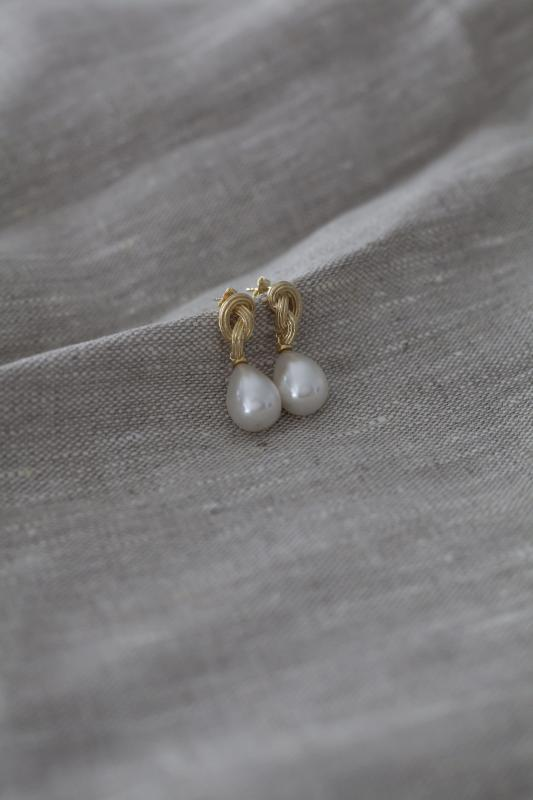 GOLD KNOT AND PEARL EARRINGS FACTORY SECONDS