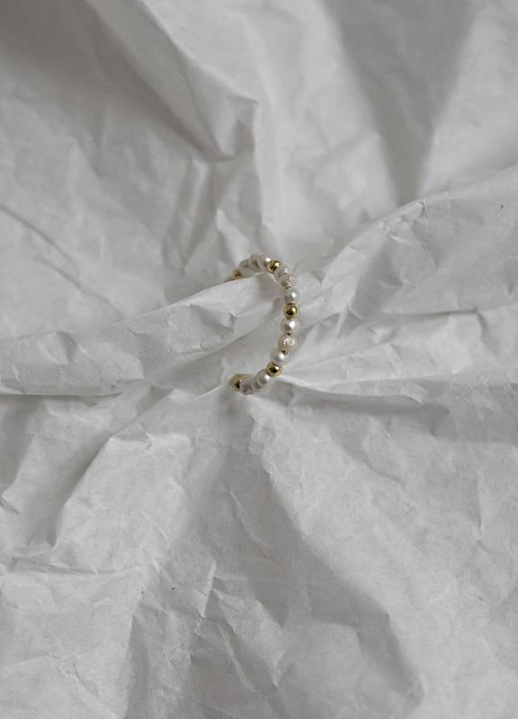 BEADED RING PEARL & GOLD