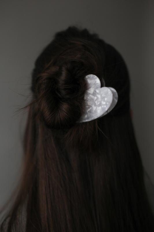HAIR CLAW IVORY CLOUD PETITE