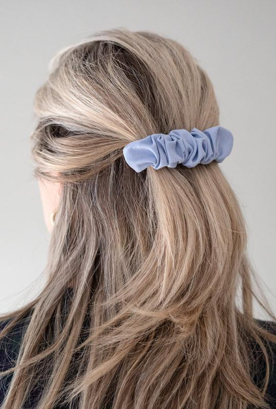 HELSINKI ATELIER RUFFLED HAIR CLIP DENIM
