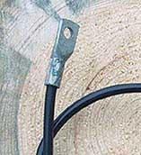 Kabel från aggregat till hage.