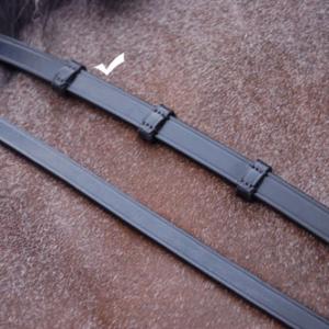 dyon rundsydd lädertygel med stoppar full svart