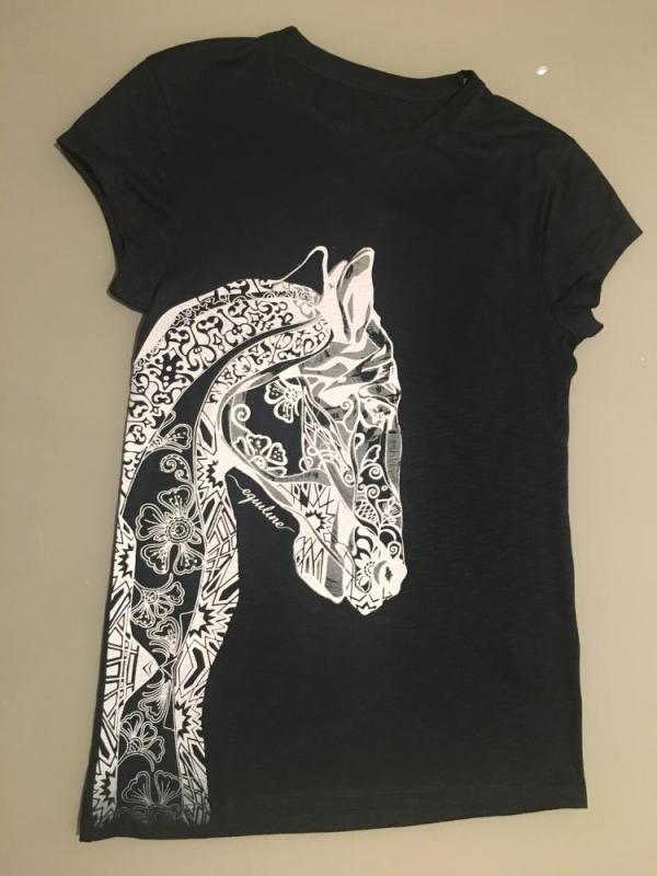t-shirt med hästmotiv equiline