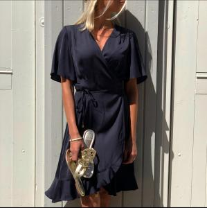 Morris Lady Line Dress