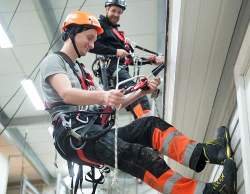 Fallskydd och räddning