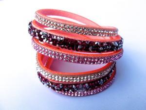 Rosa dubbel snittat läderarmband med Kristaller