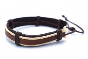 Brun läderarmband med vit snöre