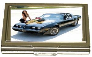 Amerikansk bil med sexig tjej
