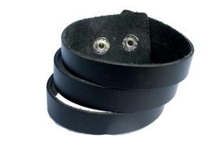 Svart läderarmband snittat