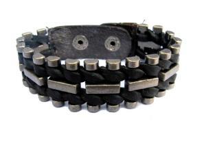 Svart läderarmband med stål