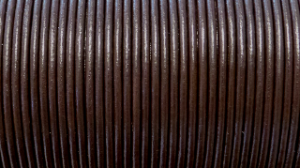 Europeiskt lädersnöre 2 mm.