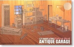 Antique Garage 1/24