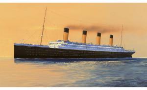 R.M.S. Titanic Gift Set 1/700