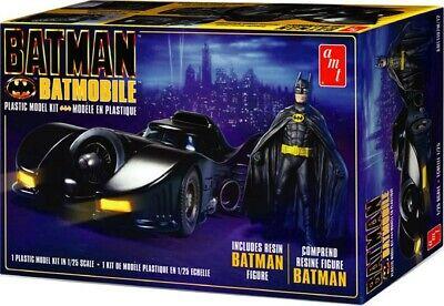 Batman 1989 Batmobile + Figur 1/25