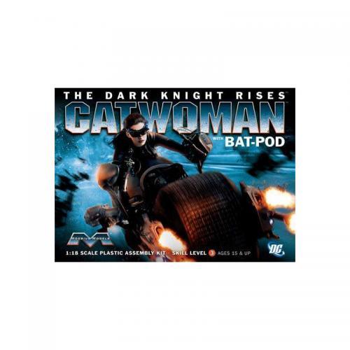Dark Knight Rises Catwoman w.Bat-Pod 1/18