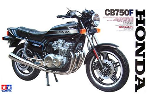 Honda CB750F 1/6
