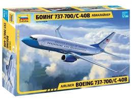 Boeing 737-700 1/144