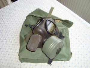 Gasmask komplett med väska o filter