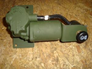Hummer H1 reservdelar Vindrutetorkar motor med brytare!