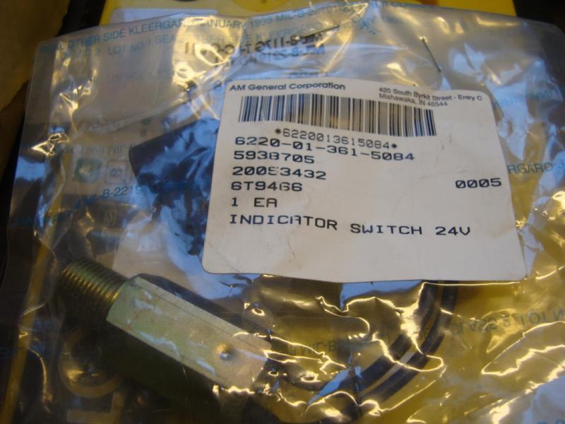 Hummer H1 reservdelar Givare till indikatorlampa nr 6220-01-361-5084