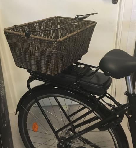 """Cykelkorg """"Rotting"""" AVS brun"""