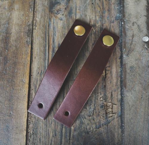 """Läderloop Brun & Mässing Läder knopp (""""Läderflärp"""")"""