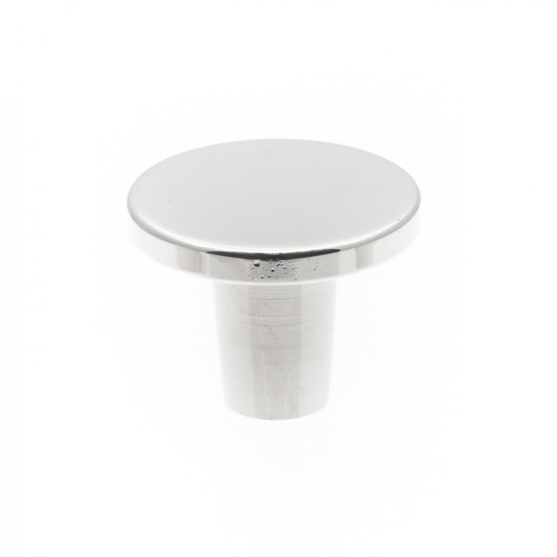 modern köksknopp i nickel, rund form och platt design.