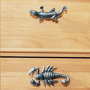 Krok Knopp Skorpion Tropiska djur Svart antik