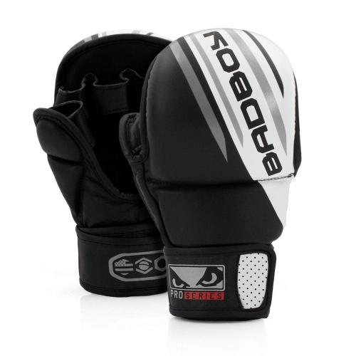 BAD BOY: PRO SERIES ADVANCED MMA SAFETY HANDSKAR - SVART/VIT