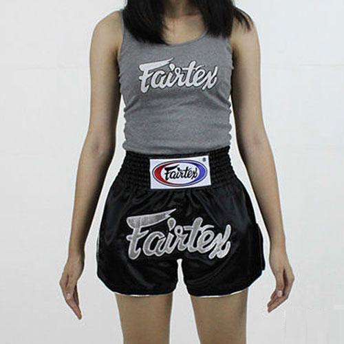 FAIRTEX: GIRL MUAY THAI SHORTS - SVART