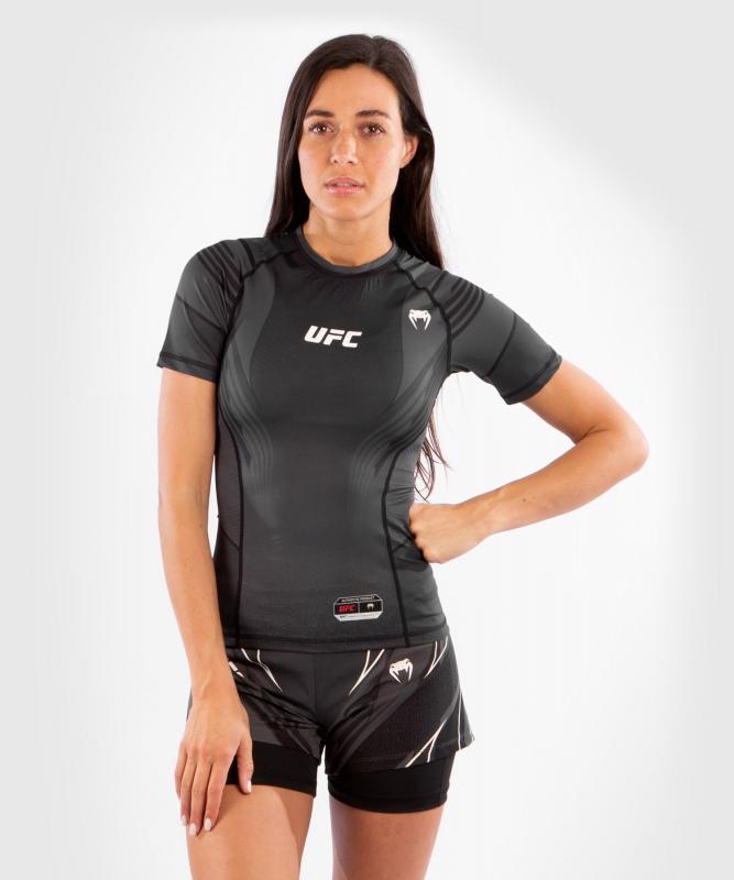 VENUM: UFC AUTHENTIC FIGHT NIGHT WOMEN'S RASHGUARD - SVART