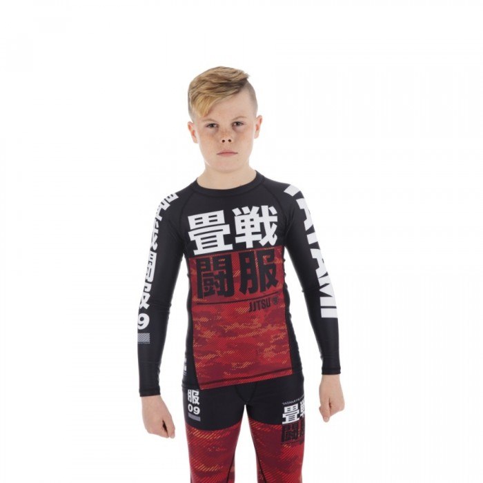 TATAMI: KIDS ESSENTIAL CAMO LÅNGÄRMAD RASHGUARD - RÖD