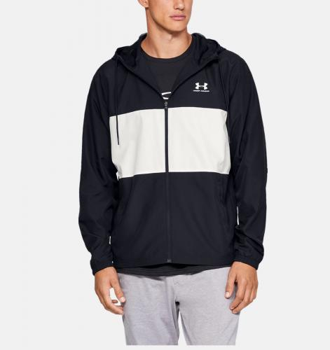 UNDER ARMOUR: SPORTSTYLE WIND JACKA - SVART