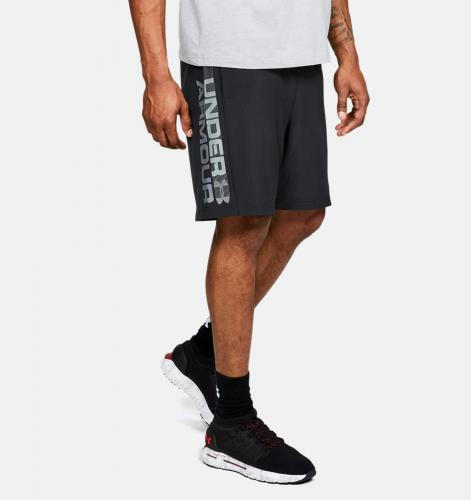 UNDER ARMOUR: WOVEN GRAPHIC WORDMARK SHORTS - SVART