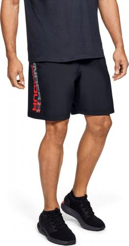 UNDER ARMOUR: WOVEN GRAPHIC WORDMARK SHORTS - SVART/RÖD
